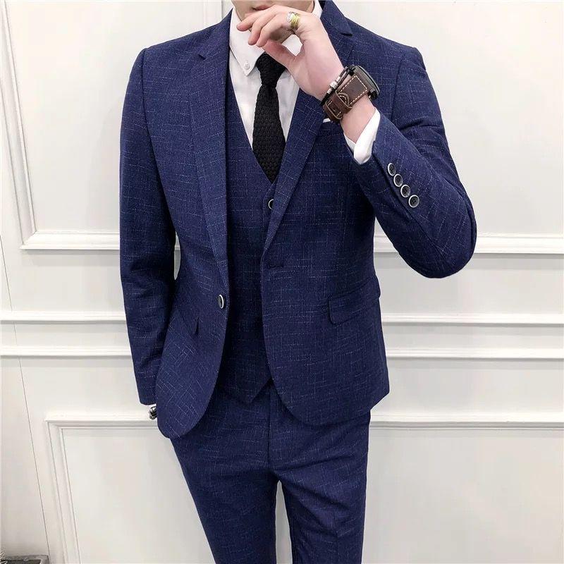 双排扣西装定做适合年轻人吗?